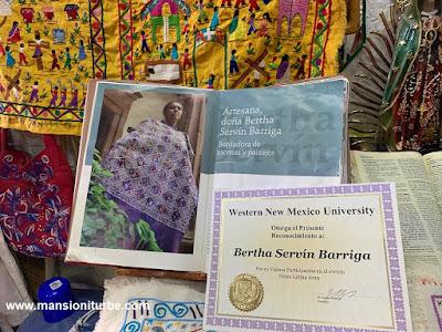Bertha Servín Barriga ha obtenido diferentes reconocimientos por sus Bordados Artesanales
