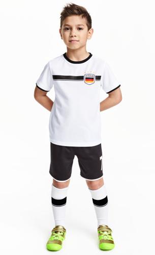 camiseta y pantalón equipo fútbol Alemania niños H&M