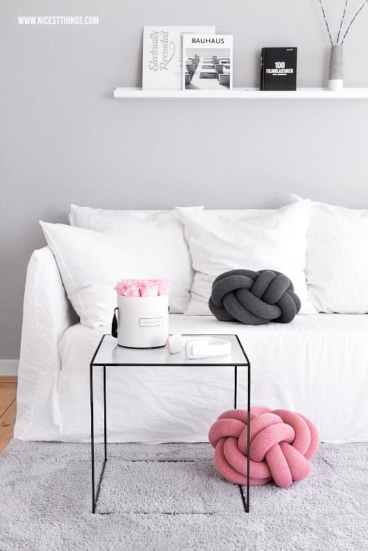 Gervasoni Ghost Sofa mit Knot Kissen und By Lassen Tisch