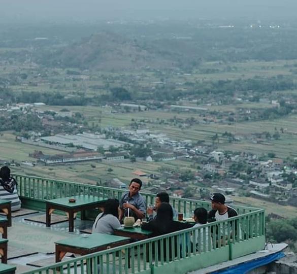 destinasi wisata bukit bintang Jogja