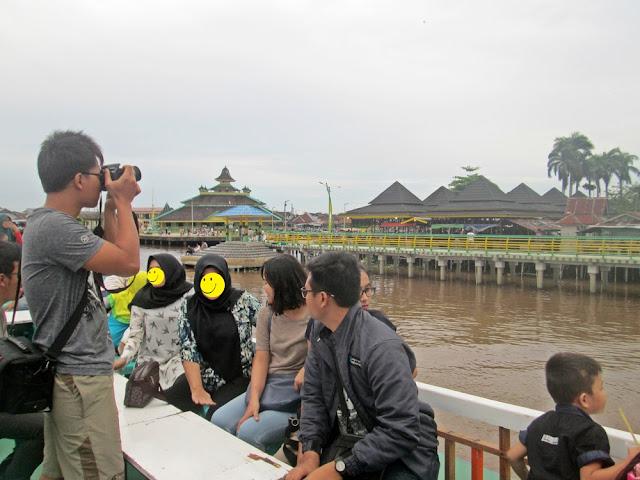 Wisata Sungai Kapuas Pontianak Menggunakan Kapal Wisata