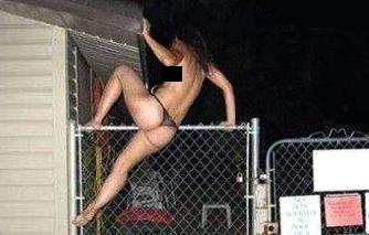 Prostituta foge ao ver que o cliente era o seu próprio marido