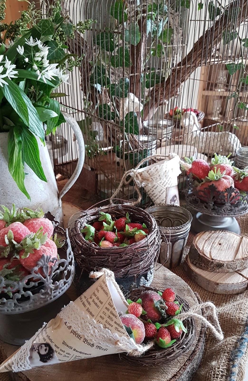 Shabby house and garden schafe und erdbeeren for Dekoration erdbeeren