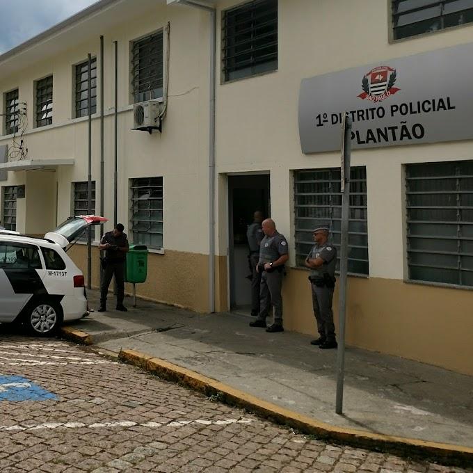SEGURANÇA REAGE A ROUBO DE MADRUGADA, LUTA COM TRÊS ASSALTANTES NA VILA DA PRATA E SOFRE FERIMENTOS