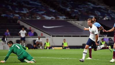 Lạ lùng Mourinho thấy thiệt cho đối thủ khi Tottenham đè bẹp West Ham 3