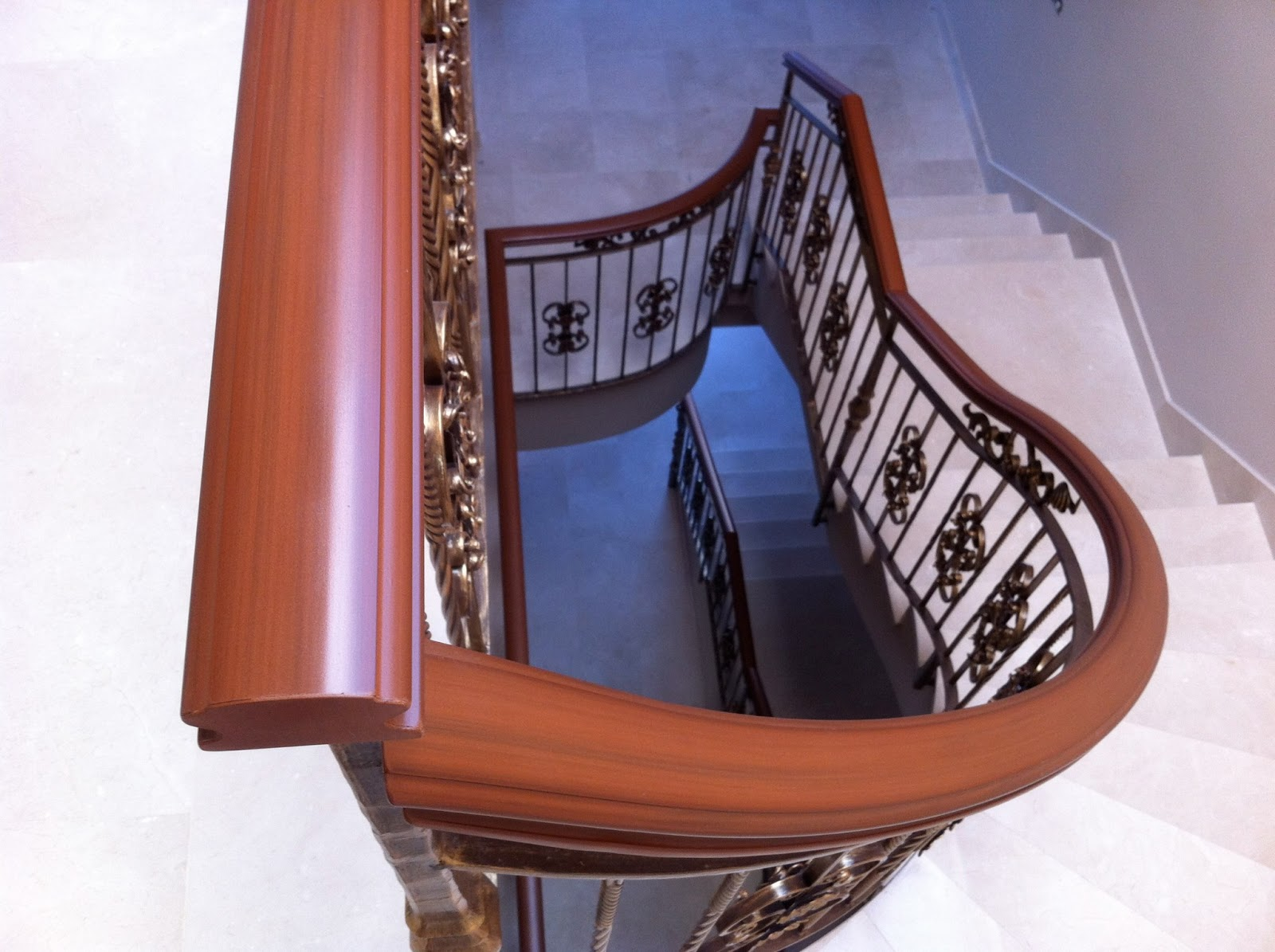 torneados munoz algerie rampes d escalier en fer forg avec main courante en pvc oran. Black Bedroom Furniture Sets. Home Design Ideas