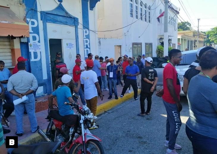 Perredeístas se enfrentan a tiros durante convención en Barahona