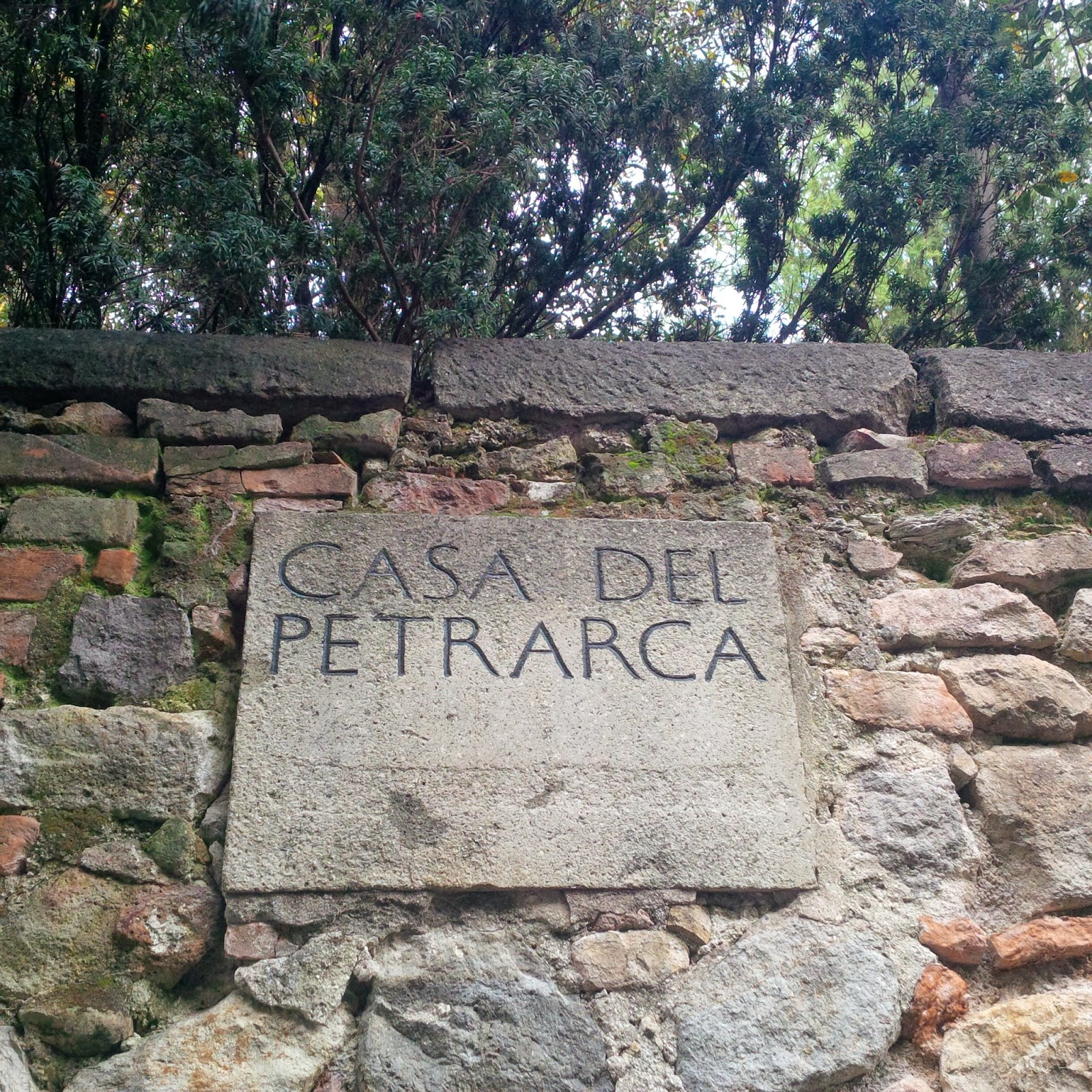 The sign on Casa del Petrarca in Arqua Petrarca