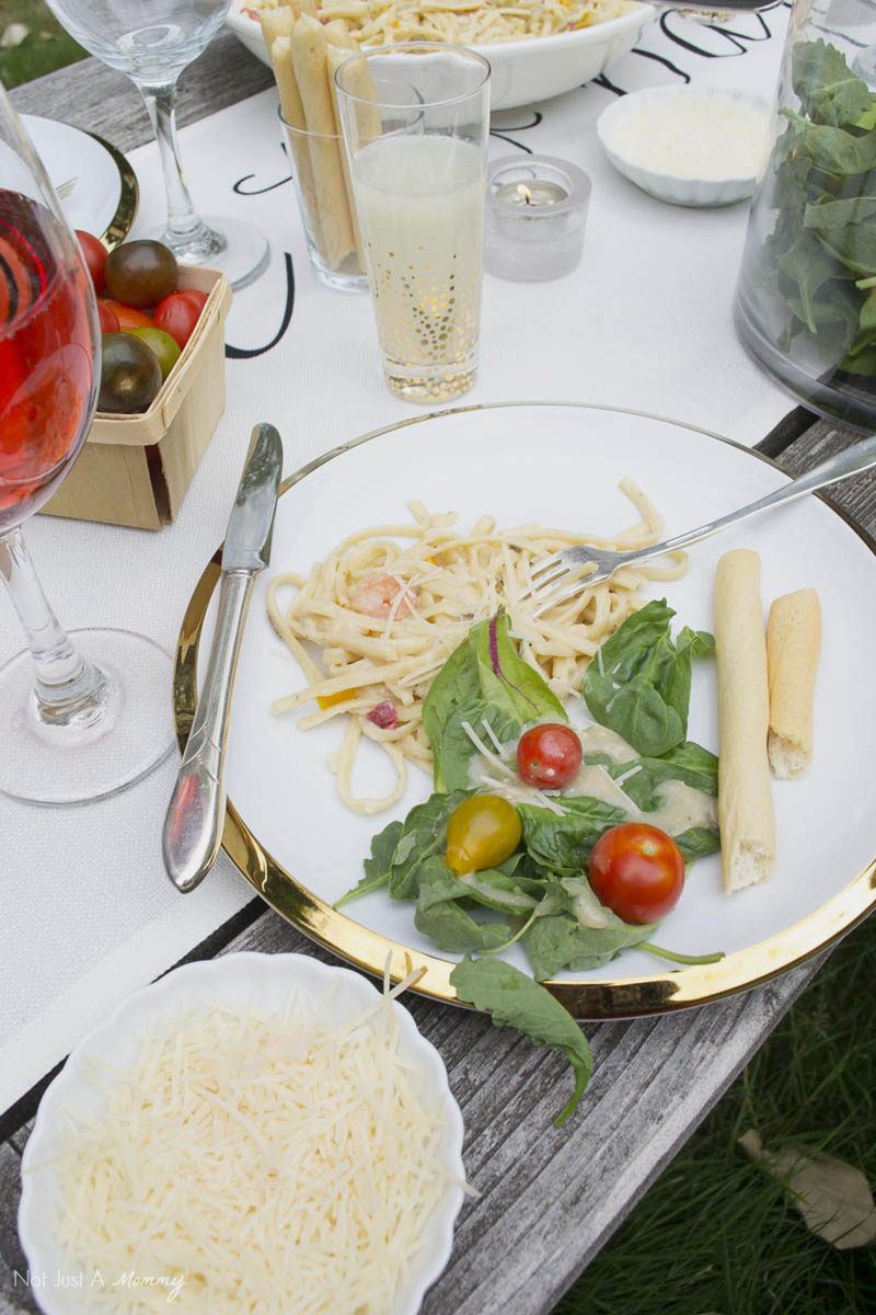 How To Throw  A End Of Summer Party In Less Than Two Hours; dinner plate
