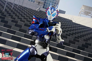 SH Figuarts Kamen Rider Vulcan Shooting Wolf 26