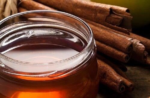 Cách giảm đau khớp bằng Quế và mật ong