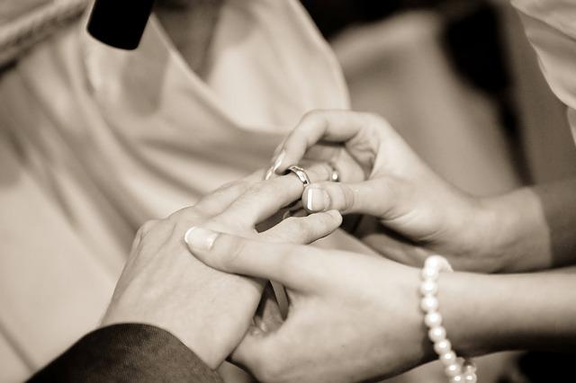الزواج في رمضان: هل هو حلالٌ أم حرام؟