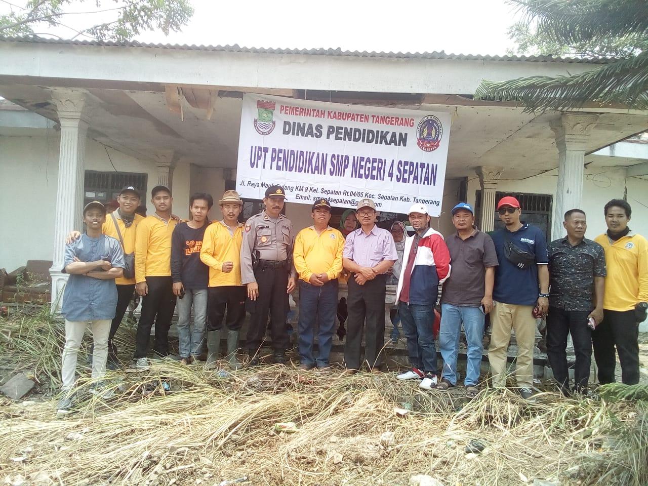 UPT Pendidikan SMPN 4 Sepatan Gelar Bersih Lahan SMPN