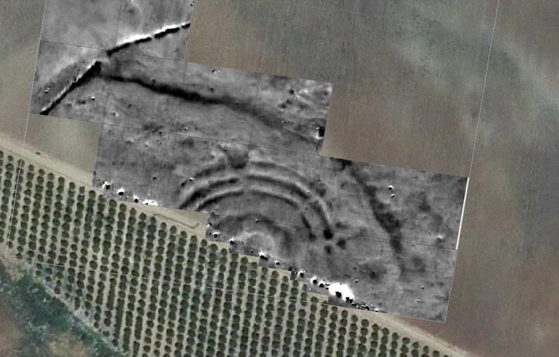 Estructura de anillos concéntricos encontrada en Sevilla.