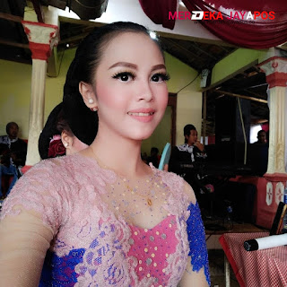 Rina Aditama Milenial Multitalenta Musisi Panggung Kota Pacitan Jawa Timur
