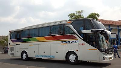 Foto Bus Sinar Jaya 25RE Samping