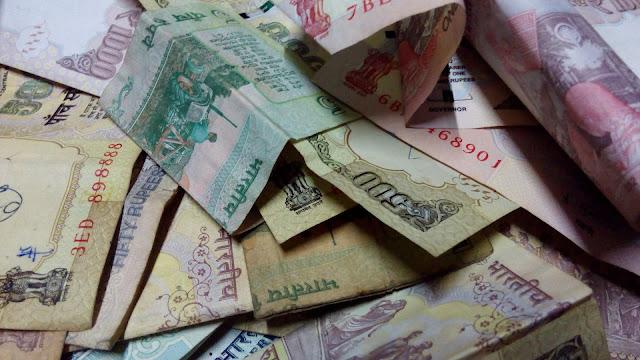 भारत सरकार का भरपूर पैसे छापत नाही...?