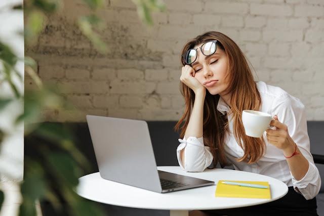 Bad habits that cause sleep deprivation
