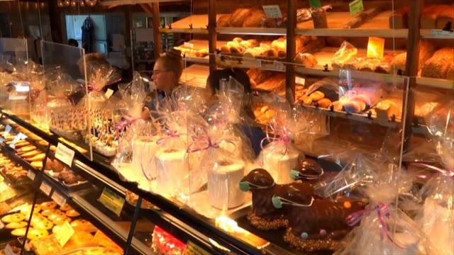 Una pastelería en Alemania prepara dulces temáticos sobre pandemia