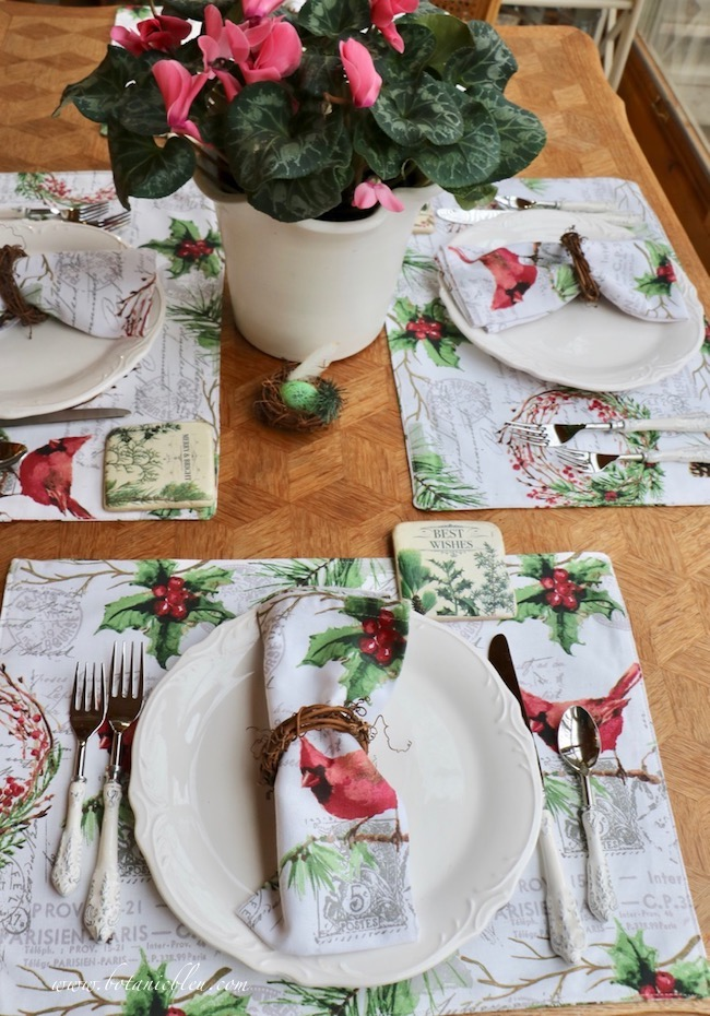 Cardinal Christmas Table Setting new placemats and napkins