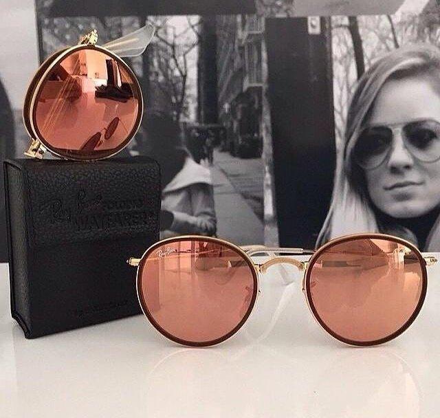Que ousadia, guria!  Os óculos de sol da Ray-Ban favoritos para este ... c2a4c91a74