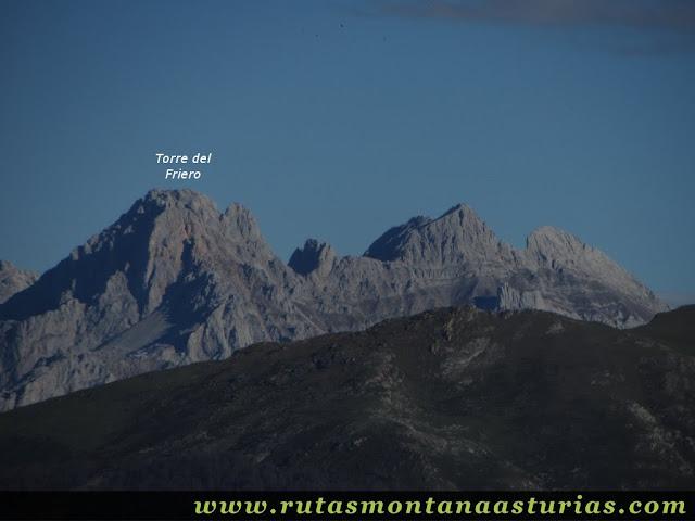 Ruta Víboli Peña Subes y Sen Mulos: Vista de la Torre del Friero