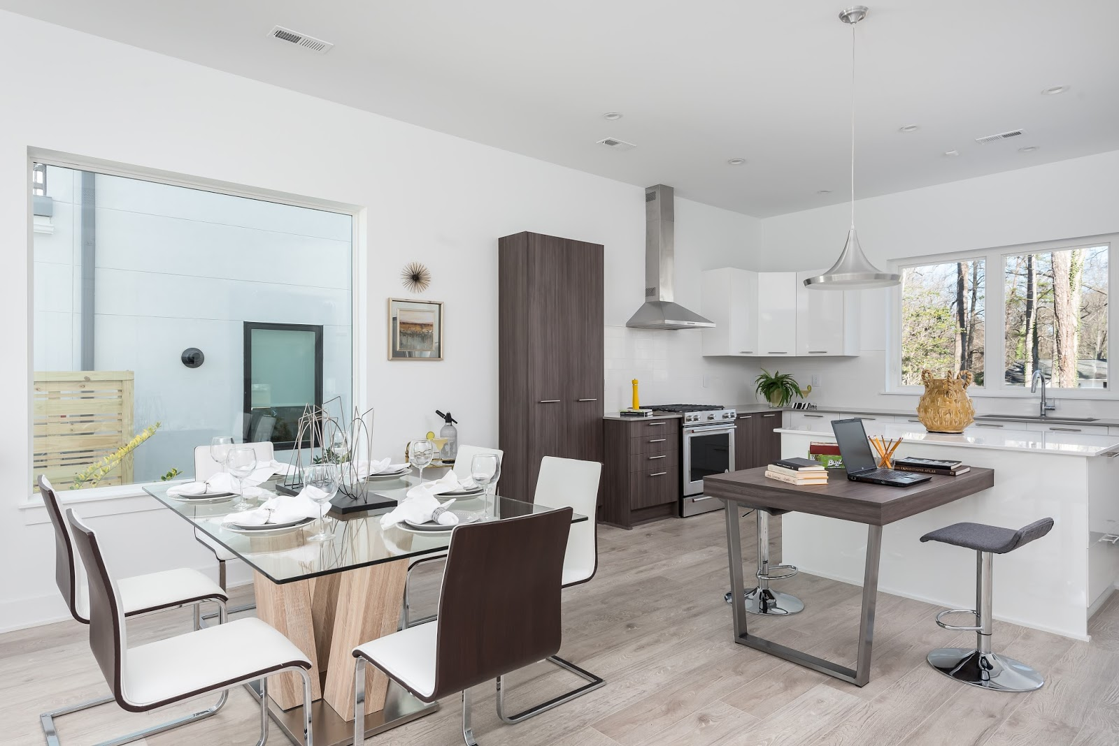 charlotte modern living tomorrow today the home of the future is chelsea building group has done an amazing job of creating a modern living environment that is both warm and inviting whether it s contemporary