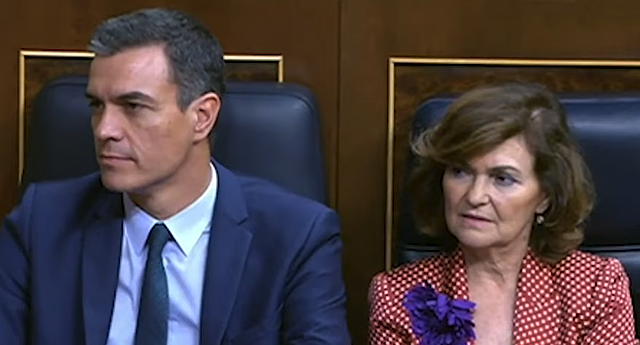 "Carmen Calvo acusa a Podemos de lanzar un ""órdago impositivo"" y descarta un gobierno de coalición"