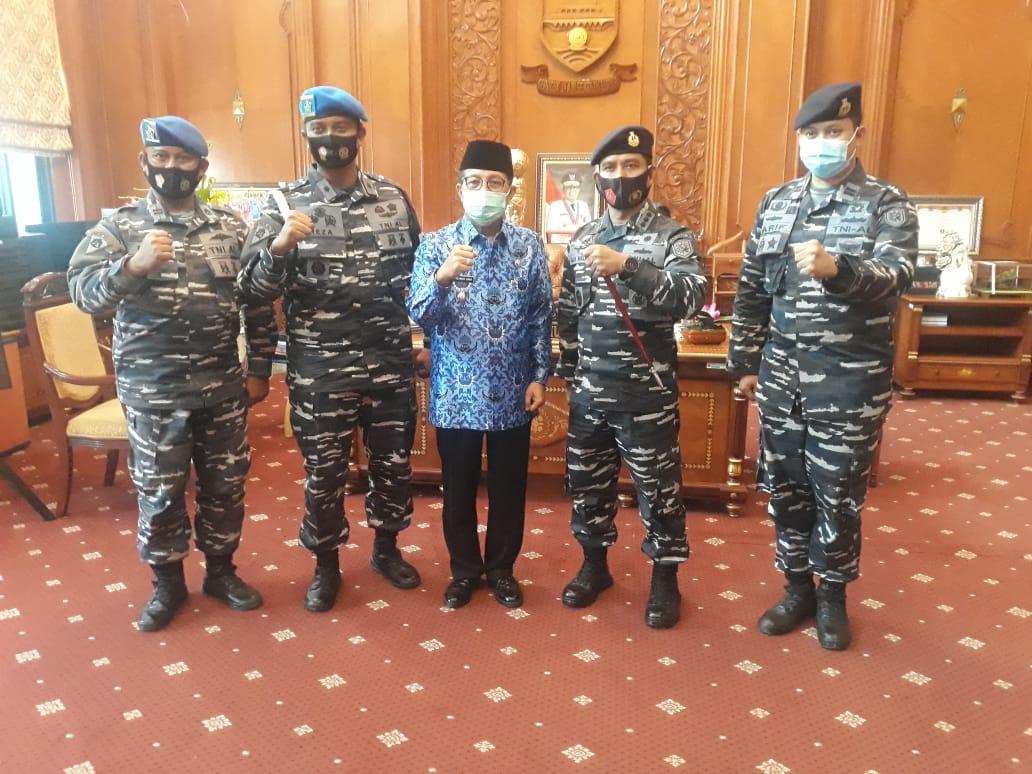 Gubernur Jambi Sambut Langsung Kunjangan Komandan angkatan laut kolonel Filda Malari