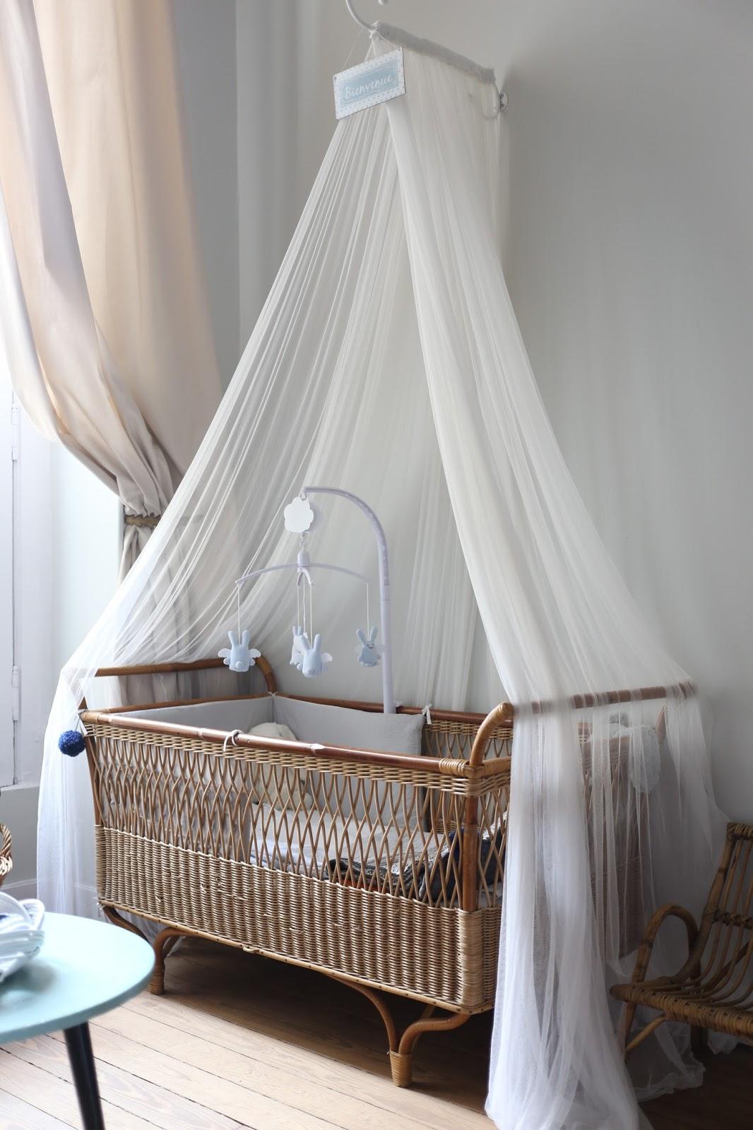 c 39 est la re cr ation vintage scolaire vintage coup de c ur lit enfant en osier vintage. Black Bedroom Furniture Sets. Home Design Ideas