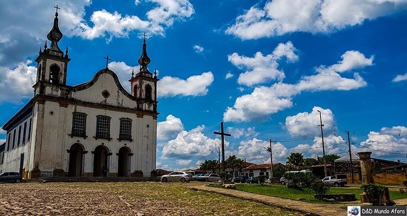 Mais um ângulo da Praça Monsenhor Mendes - O que fazer em Catas Altas, Minas Gerais