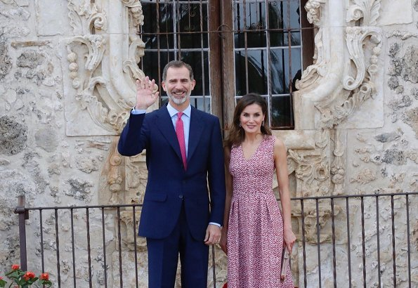 King Felipe VI and Queen Letizia came to San Antonio city of Texas state, which celebrates 300th anniversary of its establishment. Mayor Ron Nirenberg
