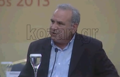 O Δήμαρχος Καστοριάς θέλει έναν ιδιαίτερο Γραμματέα όταν επισκέπτεται τα βράδια τα χωριά για να του σημειώνει και να καταχωρεί τα προβλήματα (Βίντεο)