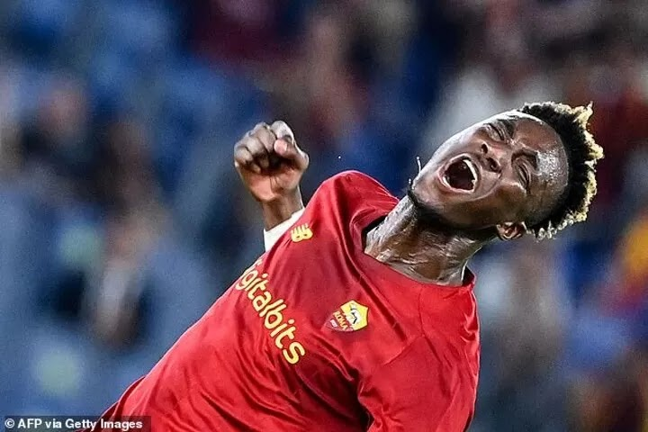 Tammy Abraham given STANDING OVATION for superb Roma debut as Jose Mourinho's men win