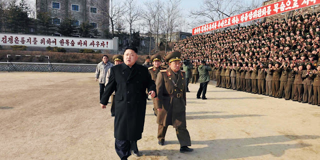 Desertor norte-coreano diz que o regime está sendo duramente prejudicado pelas sanções e não vai durar um ano.