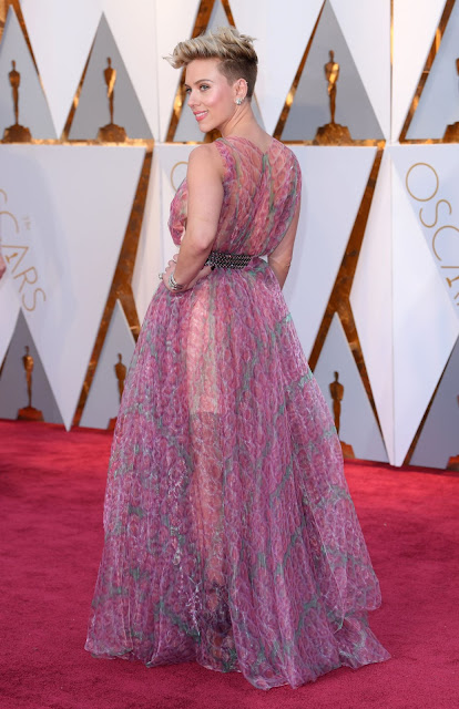 Scarlett Johansson – Oscars 2017 Red Carpet in Hollywood