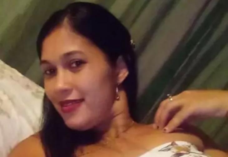 Mujer que huía de un perro muere aplastada por camión en Santiago