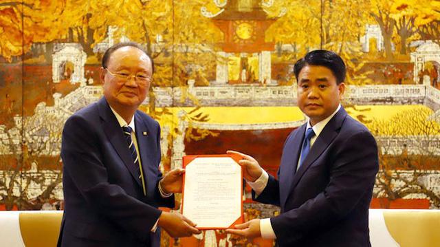 Đại gia Hàn Quốc và chủ tịch Hà Nội