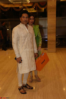 Sachin Tendulkar with his wife at Mata ka Jagrata hosted by Anu Malik 16.JPG
