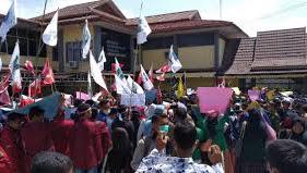 Aksi Demo Kawal KPU Kerinci dan Sungai Penuh Diminta Tidak Curang
