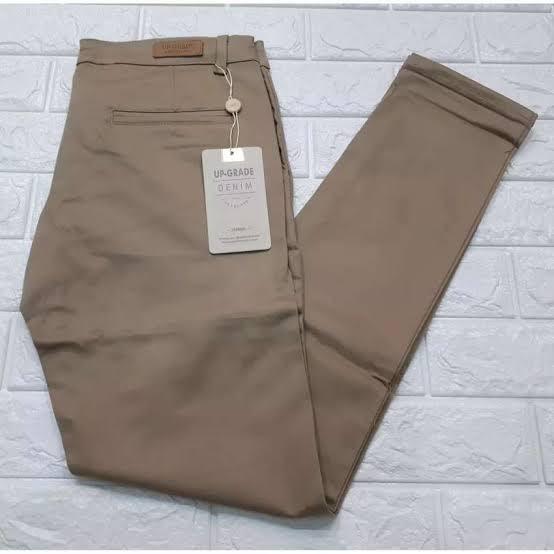 Rekomendasi Brand Celana Chino Terbaik