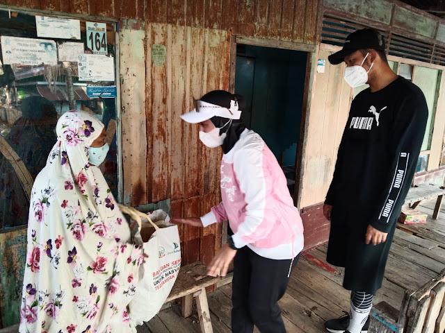 Keliling Naik Sepeda, Bupati ASA Bawa Bantuan untuk Warganya
