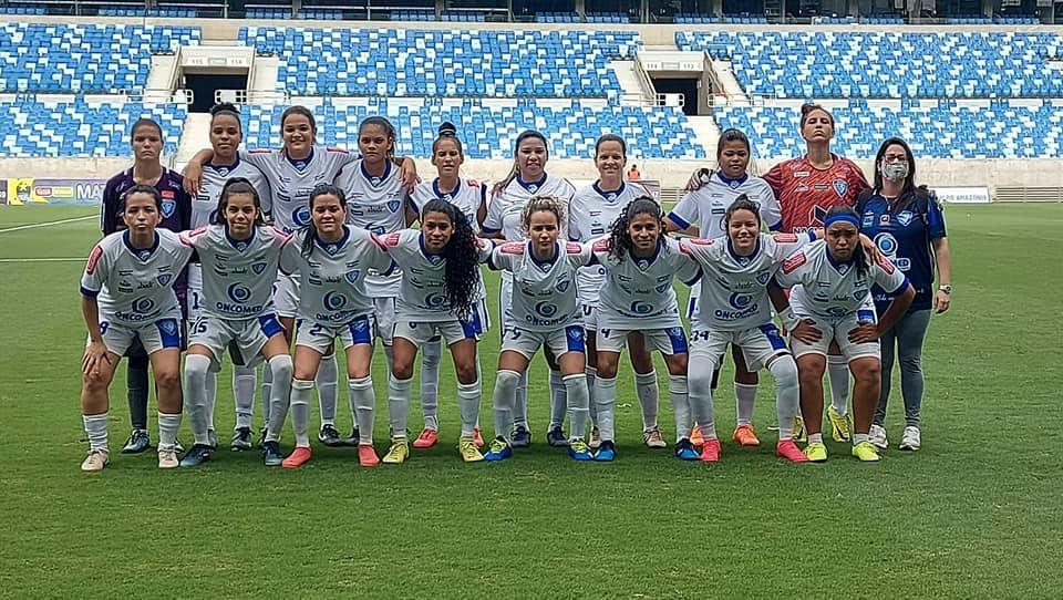 atletas de futebol feminino