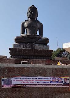 भगवान शांतिनाथ की भव्य प्रतिमा