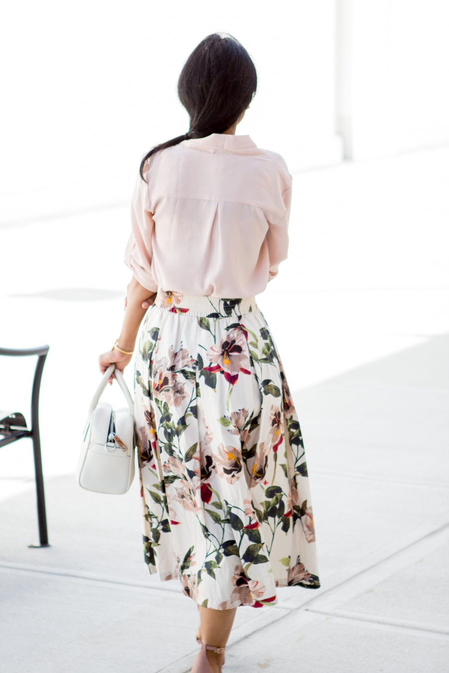 floral skirt, vince camuto, neutral sandals, dressy outfit, work outfit, work style, petite style, fashion tips, style tips, light pink, zara, target style, office wear, corporate chic, boss woman, power dressing
