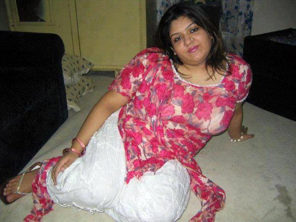 Indian bhabhi housewife chubby