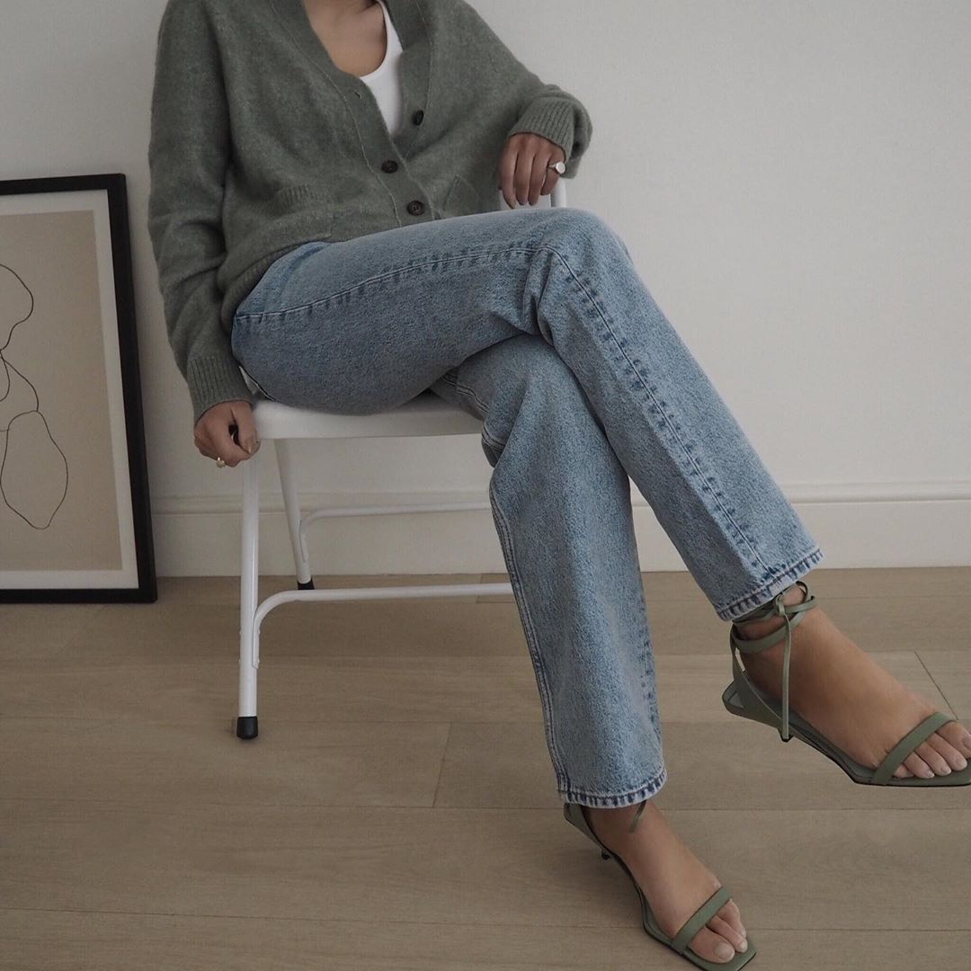 How to Wear Your Strappy Sandals for Fall — Cardigan, White T-Shirt, Jeans — @honeybelleworld