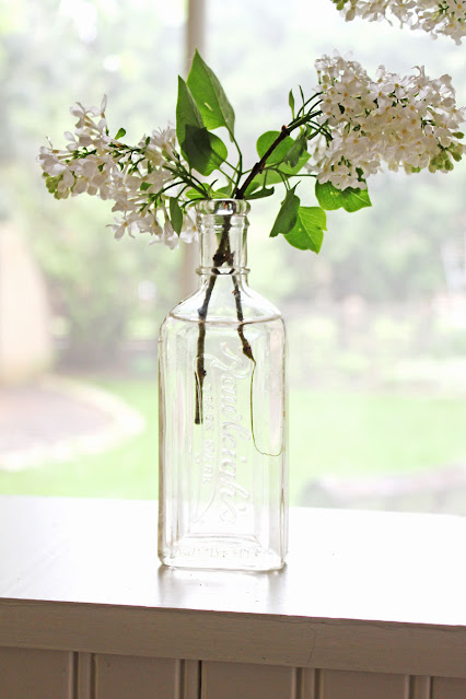White Lilacs And Old Bottles From Itsy Bits And Pieces Blog
