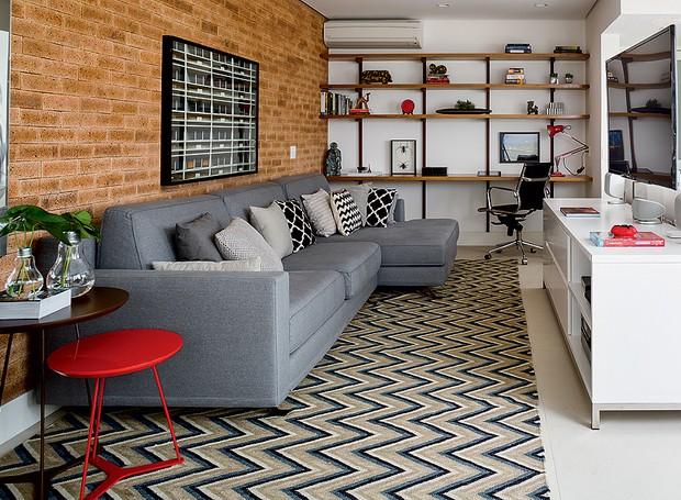 Decoração de sala de estar parede tijolinho estilo industrial
