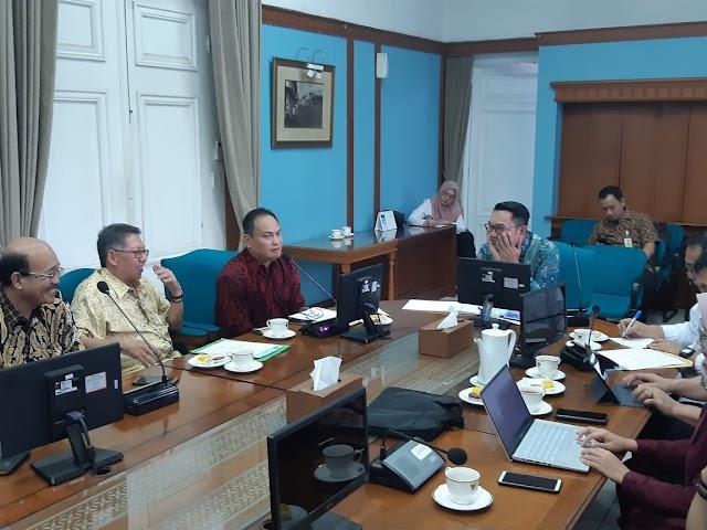 Gubernur Dorong PWI Jabar Agar HPN 2022  Di Bandung